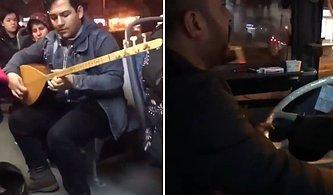 Adana'da Sıradan Bir Gün: Dolmuşta Bağlama Çalan Yolcuya Eşlik Eden Şoför
