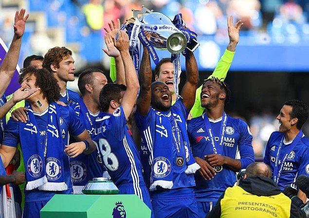 2012/13 yılında Chelsea formasıyla UEFA Avrupa Ligi şampiyonluğu yaşayan Moses, 2016/17 sezonunda ise Premier Lig şampiyonluğu yaşadı.