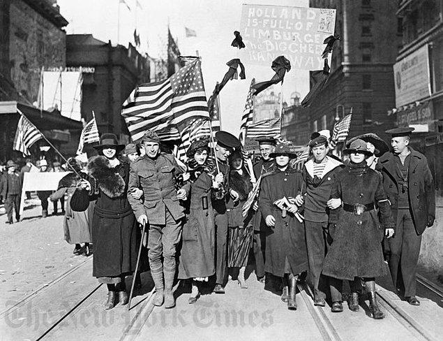 1918: ABD, I. Dünya Savaşı'na girdi.