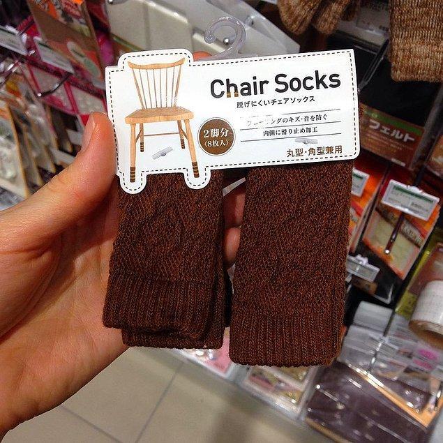 21. Sandalye bacakları için örgü çoraplar: