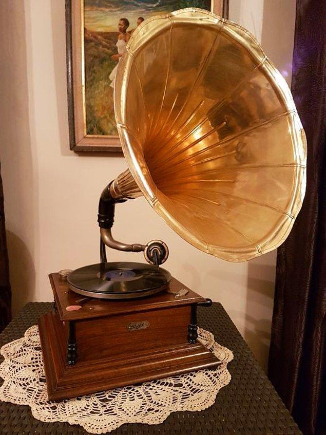 2. Gramofon