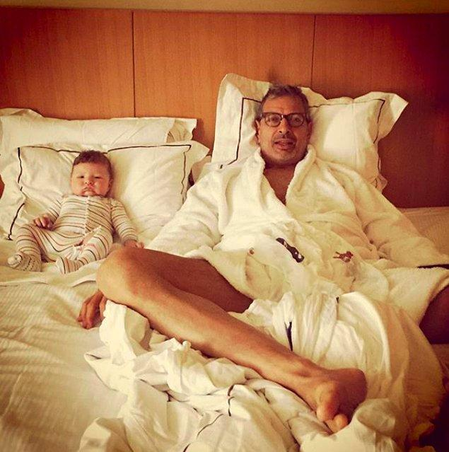 3. Dansçı Emilie Livingston ile evli olan Jeff Goldblum 63 yaşındayken baba oldu.