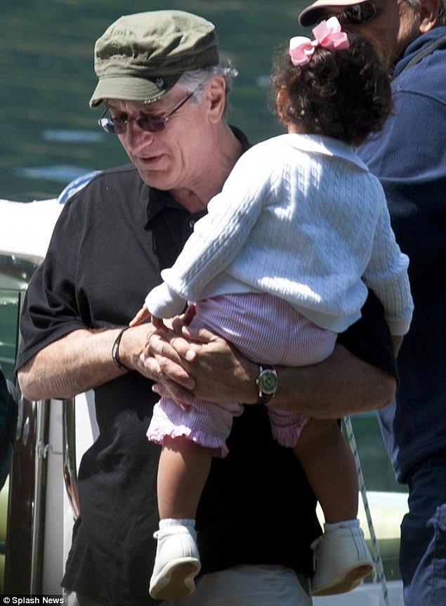 4. Robert De Niro'nun ise 68 yaşındayken bir kız çocuğu oldu.