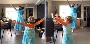 Prenses Elsa Kıyafeti Giyerek Oğluyla Birlikte 'Let It Go' Şarkısında Dans Eden Baba