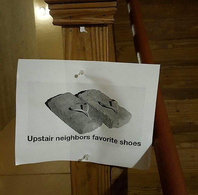 """1. """"Üst kat komşumun en sevdiği ayakkabıları."""""""