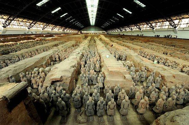 11. Tarihteki en ölümcül 11 savaştan dokuzu Çin'de yaşanmıştır.