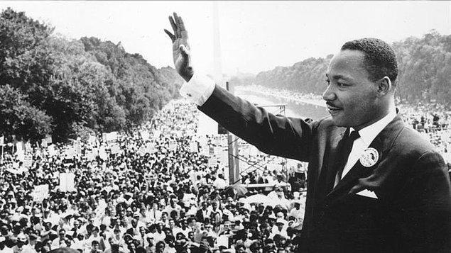 13. Suikastinden önceki gece Martin Luther King'in motel odasında yastık savaşı yaptığı iddia ediliyor.