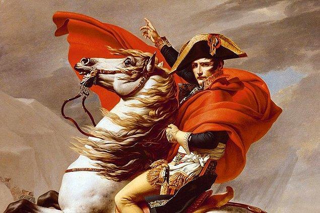 16. Napolyon'un kısa boylu olduğuna dair bir dedikodu olsa da, aslında o ortalama bir Fransız erkeğinden daha uzundu.