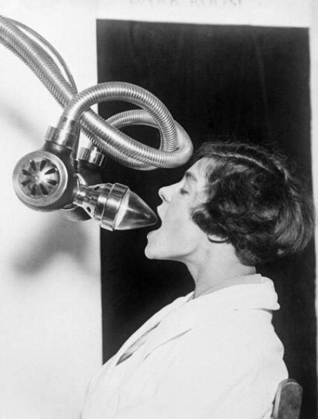 18. Ağız için röntgen cihazı (1920)