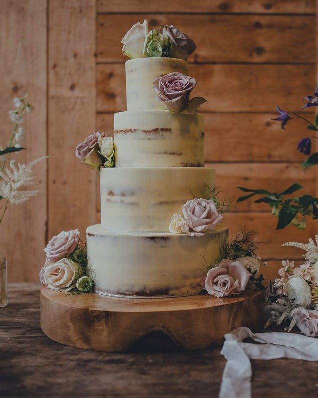 11. Dekorasyon için trend olan her şeyi düğün pastalarında da görmek mümkün olacak. Soft renkler, geometrik şekiller...