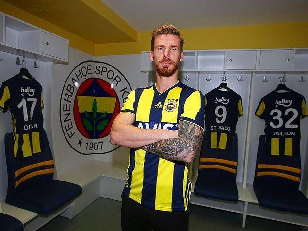 Serdar Aziz, Fenerbahçe ile 3.5 yıllık sözleşme imzaladı.
