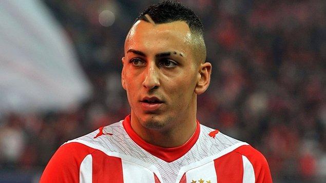 Kariyerine 2005 yılında Almanya'da başlayan deneyimli forvet 2011 yılında Yunan ekibi Olimpiakos'a transfer olmuştu.