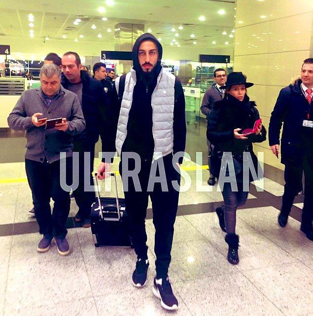 Galatasaray'ın KAP'a bildirdiği golcü futbolcu İstanbul'a geldi.