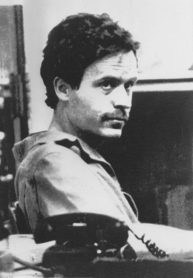 1989 yılında elektrik şokuyla idam edilen Ted Bundy'nın kan donduran cinayetleri ise ölümünün 30. yıl dönümünde hala dün gibi hatırlanıyor.