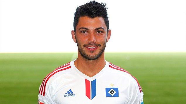 Gurbetçi oyuncu daha sonra Hamburg'a transfer oldu bir dönem kiralık olarak Alem. Aachen takımının da formasını giyen Tolgay Arslan;