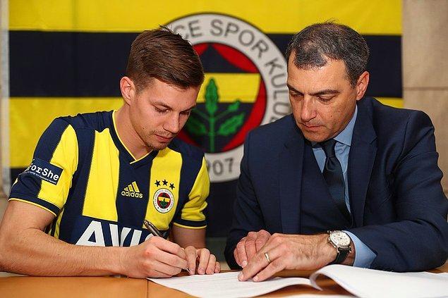Fenerbahçe, 24 yaşındaki Sloven futbolcuyu 4.5 yıllığına kadrosuna kattı.