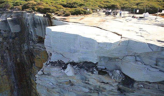 8. Düğün Pastası Kayası / Avustralya