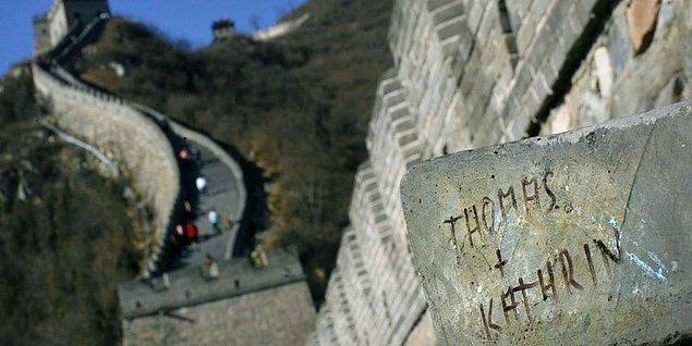 13. Çin Seddi, oraya giden saygısız turistler yüzünden,