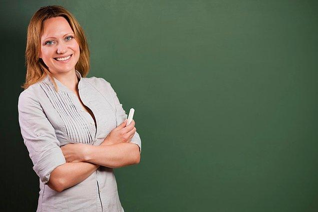 Feride hoca kendiyle ilgili bir şeyler anlatmaya başladı:
