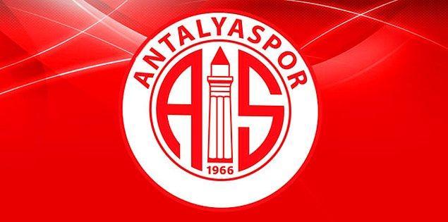Antalyaspor'un maç için ilk 11'i şu şekilde;