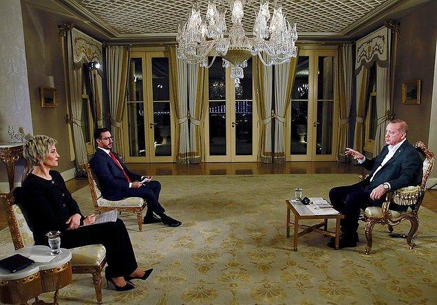 """Cumhurbaşkanı Recep Tayyip Erdoğan, """"Cumhurbaşkanı Özel"""" TRT ortak yayınında, Serdar Karagöz ve Sermin Baysal Ata'nın sorularını cevaplandırdı."""
