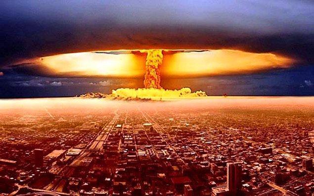 1958: ABD Hava Kuvvetleri, Georgia eyaleti sahili açıklarında bir hidrojen bombası kaybetti. Bomba bulunamadı.