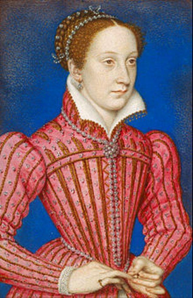 1587: İskoçya Kraliçesi Mary Stuart, kafası kesilerek idam edildi. 19 yıl hapiste kaldıktan sonra idam edilen Kraliçe Mary, Kraliçe I. Elizabeth'e suikast planlamakla suçlanıyordu.