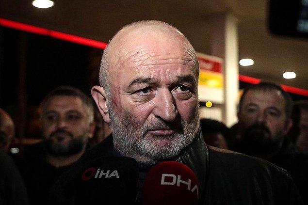 Saldırıya uğradığı öne sürülen Cemalettin Uluğtürk ise yaptığı açıklamada, Esenyurt'tan havalimanına yolcu taşıdığı sırada taksici bir grup tarafından darp edildiğini söyledi.