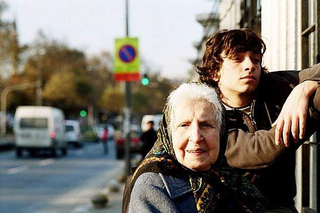 10. 56. San Sebastian Film Festivali'nde En İyi Film Ödülü alan Pandora'nın Kutusu filminin yönetmeni Yeşim Ustaoğlu.