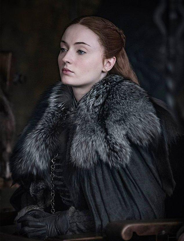 Diziye dönüş yapan diğer yıldızlar arasında Sansa Stark karakteri ile Sophie Turner,