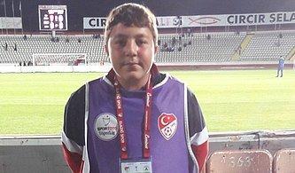 Sattığı Simitlerin Parasını Elazığspor'a Bağışlamıştı! 16 Yaşındaki Furkan Gündüz Sporseverleri Üzdü