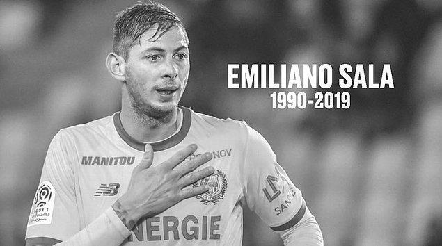 İngiltere'nin güneybatısındaki Dorset polisinden yapılan yazılı açıklamada, denizden çıkarılan cesedin Arjantinli futbolcu Emiliano Sala'ya ait olduğunun resmen tespit edildiği belirtildi.