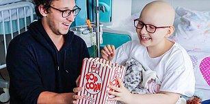 Hastanede Tedavi Gören Kanser Hastası Çocuklara Efsane Numaralarıyla Moral Veren İllüzyonist