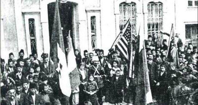 1918: Trabzon'un Of ilçesinden Rusya ve Ermenistan birliklerinin çekilişi.