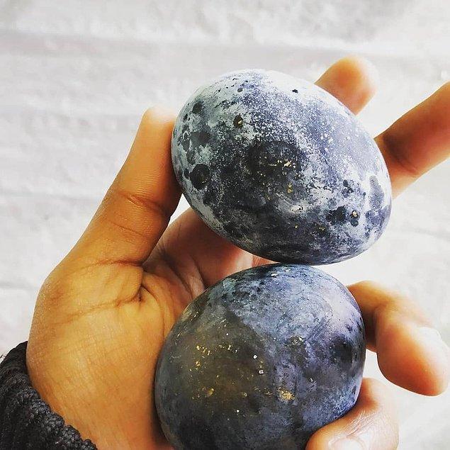 Bir volkanda haşlanmış kara yumurta;