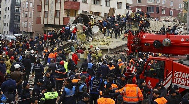Kartal'da geçtiğimiz günlerde 8 katlı bir bina çökmüştü.