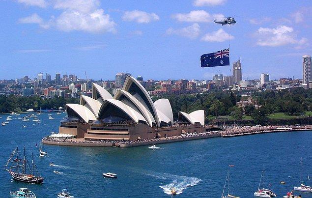 8. Avustralya