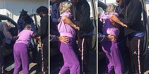 Yürümekte Zorlanan Yaşlı Çiftin Araçlarına Binmelerine Yardımcı Olan Güzel İnsanlar