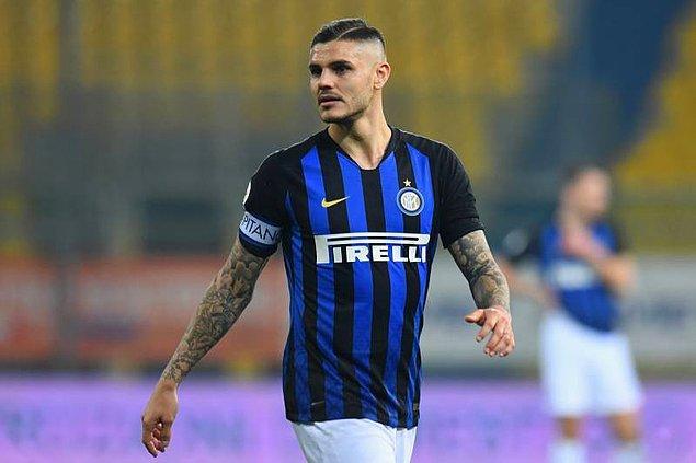Eşi ve menajeri Wanda Nara'nın Inter'le olan sözleşme görüşmeleri hakkında medyaya yaptığı açıklamaların ardından Inter kulübü Mauro Icardi'den kaptanlığı alarak ilk hamlesini yapmıştı.