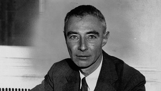 1967: Amerikalı fizikçi J. Robert Oppenheimer hayatını kaybetti.