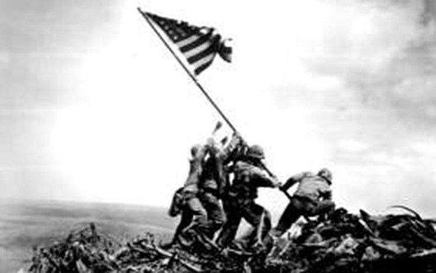 1945: II. Dünya Savaşı, Iwo Jima Muharebesi.