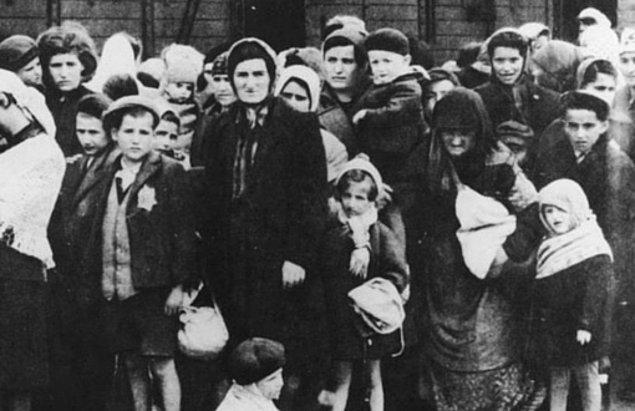 1941: Türkiye'de Yahudiler için transit vizesine ilişkin talimatname yayınlandı.