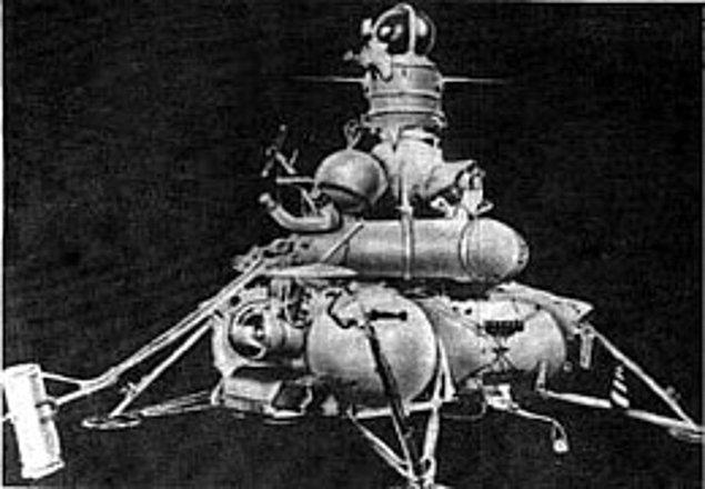 1972: SSCB'nin insansız uzay aracı Luna 20, Ay yüzeyine indi.