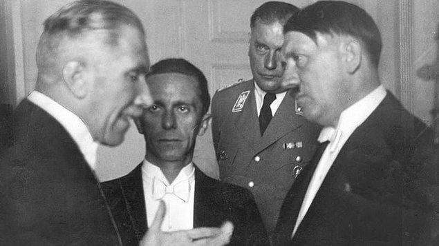 1942: Almanya'nın Ankara Büyükelçisi Franz von Papen'e, Ankara'da suikast girişiminde bulunuldu.