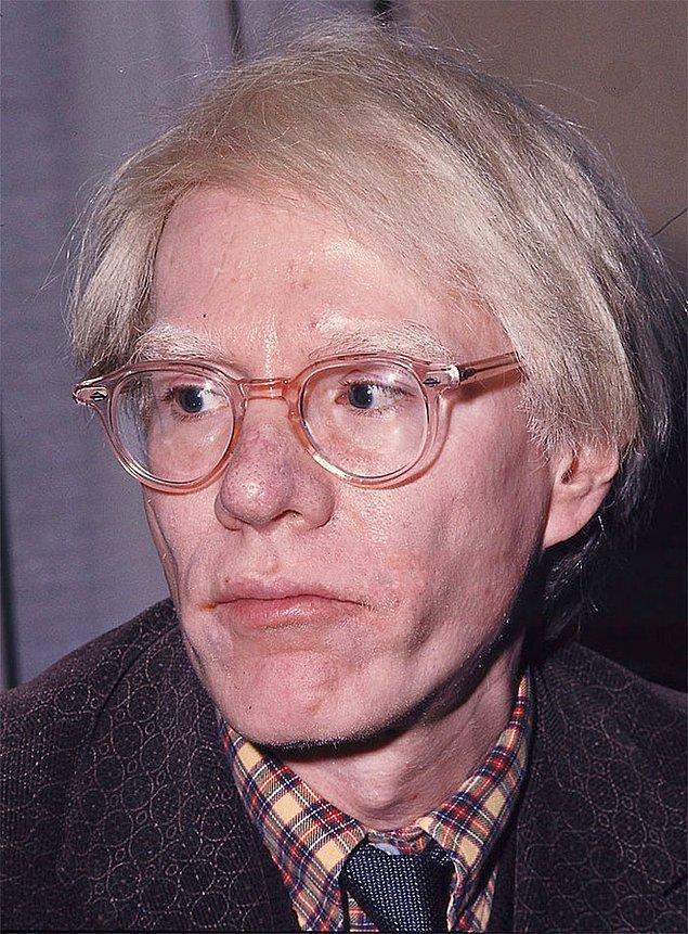 19. Andy Warhol ve peruğu