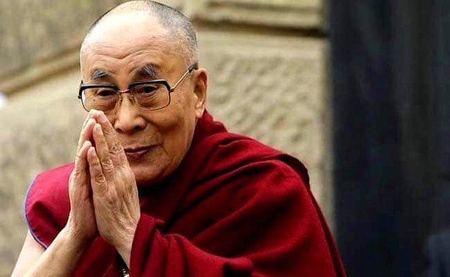 3. Dalai Lama neredeyse vejetaryendir. Değişken davranır.
