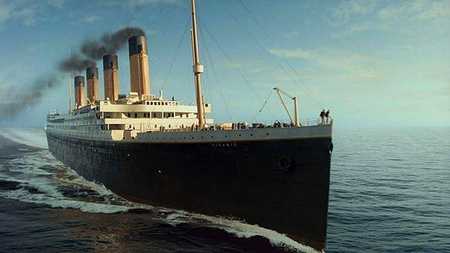 19. Enflasyon eşitlendiğinde bile James Cameroon'un yönettiği Titanik filmi gerçek Titanik gemisinden daha pahalıya mal olmuştur.