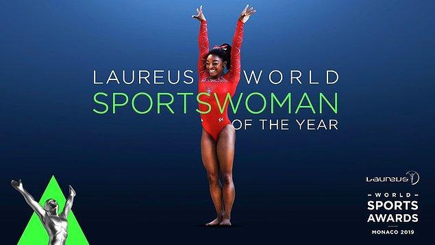 Olimpiyat ve dünya şampiyonu ABD'li cimnastikçi Simon Biles, 2017'nin ardından bu yıl da yılın kadın sporcusu ödülüne layık görüldü.