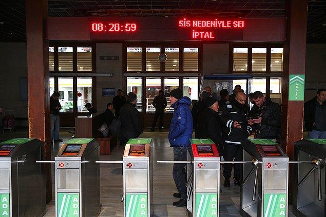 Ayrıca, saat 08.00 Eminönü-Adalar, Beşiktaş-Adalar ile Beykoz seferleri iptal edildi.