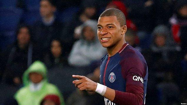Henüz 20 yaşında olmasına rağmen Paris Saint-Germain'in (PSG) en önemli yıldızı konumuna gelen Mbappe, bu sezon Avrupa gol krallığı yarışının da en iddialı isimleri arasında yer alıyor.